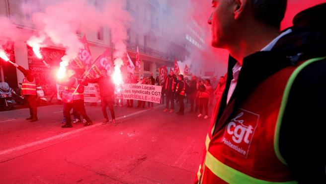 Imagen de una manifestación en Marsella contra la reforma de las pensiones en Francia.