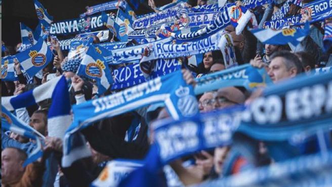 Aficionados del Espanyol, en el RCDE Stadium.