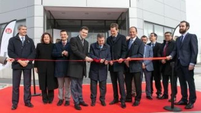 El presidente de C-LM, Emiliano García-Page, inaugura la fábrica de Bell en Fuensalida.