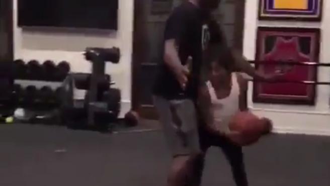Kobe entrenaba al equipo e Gigi y además la preparaba en casa.