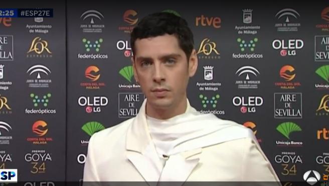 Eduardo Casano en la alfombra roja de los Goya 2020.