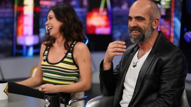 Anna Castillo y Luis Tosar, en 'El hormiguero'.