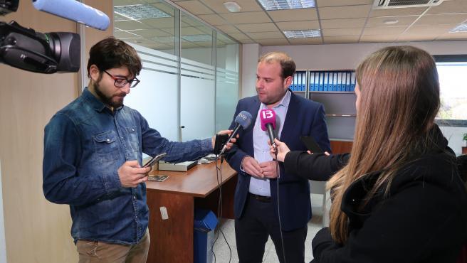 El conseller de Medio Ambiente y Territorio, Miquel Mir, en declaraciones a los medios