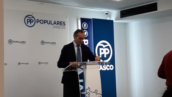 El presidente del PP vasco, Alfonso Alonso en rueda de prensa