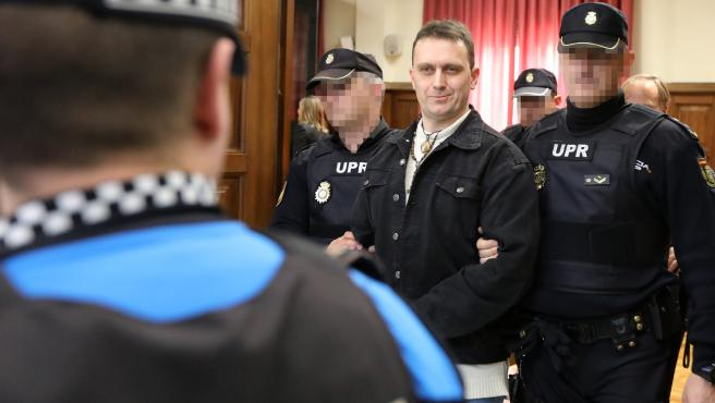 Norbert Feher, alias 'Igor el ruso', a su salida de la Audiencia, donde se ha celebrado la vista contra él por dos tentativas de homicidio, hechos ocurridos en diciembe de 2017