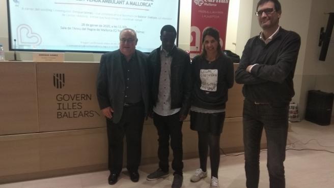 Presentación del informe Situación social de las Personas de Senegal que realizan venta ambulante en Mallorca.