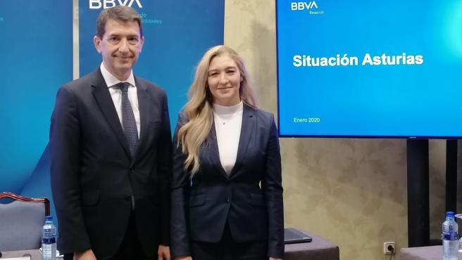 Rafael Doménech, responsable de Análisis Económico de BBVA Research, y Asunción Álvarez, directora de Banca de Empresas, Corporativa e Instituciones de la Regional Noroeste de BBVA.