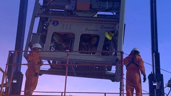 Robot submarino en el dispositivo de búsqueda del Rúa Mar