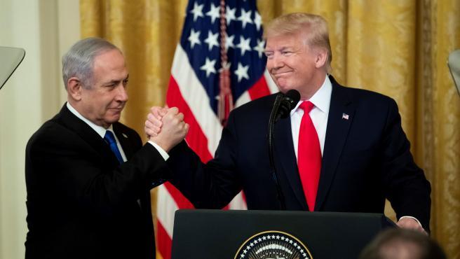 Trump (d) y Netanyahu (i), durante la ceremonia celebrada este martes en la Casa Blanca,