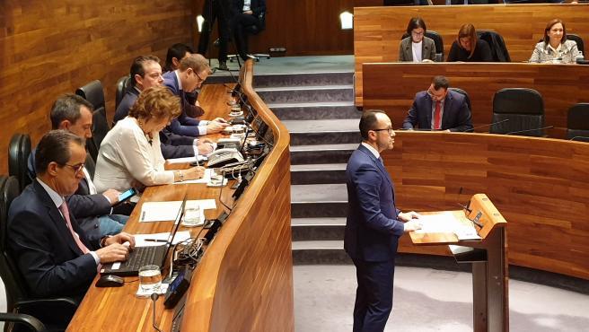 El portavoz de Vox en la Junta General, Ignacio Blanco, en sesión plenaria.