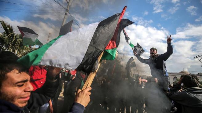 Protesta en Gaza contra el plan de paz para Israel y Palestina presentado por el presidente de EE UU, Donald Trump.