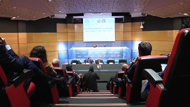 El consejero vasco de Vivienda, Iñaki Arriola, en una conferencia sobre alquiler social en Bilbao con motivo de la conmemoración del 20º aniversario de Alokabide y el 30º aniversario de Visesa.