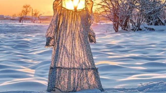 Fotografía de Galina Davídova de un vestido congelado por el frío de Siberia.
