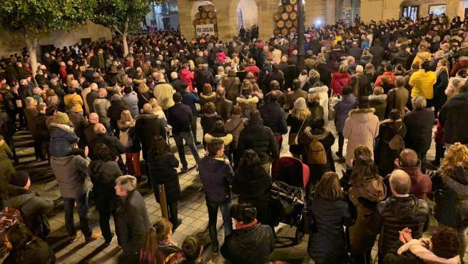 Concentración en Haro en memoria de la niña de la niña que apareció muerta en un hotel de Logroño