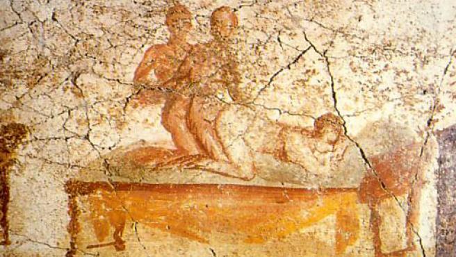 Imagen de un trío en un mural hallado en Pompeya.