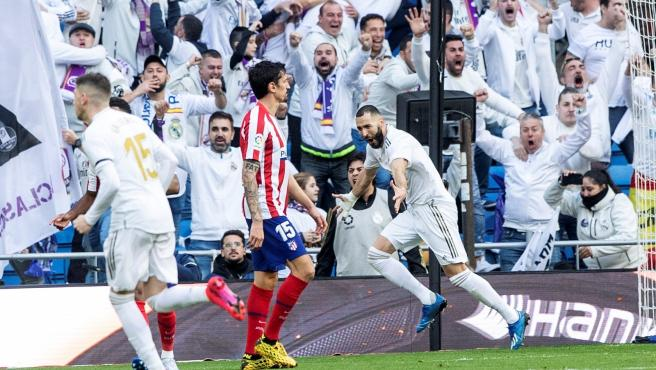 Benzema celebra el 1-0 en el Real Madrid-Atlético.