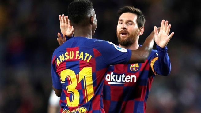 Ansu Fati y Messi celebran un gol ante el Levante.