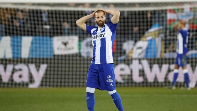 Laguardia, lamentándose en el último partido del Alavés.