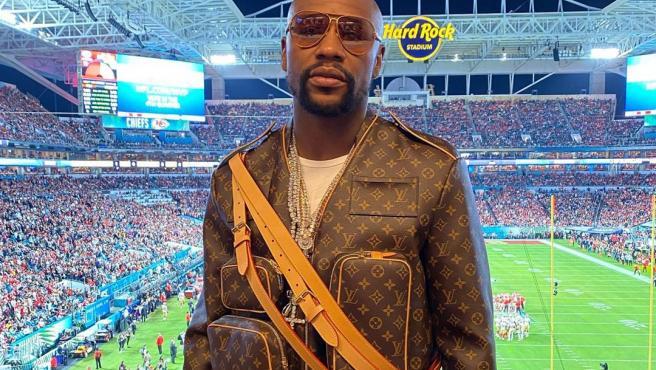 Mayweather se hizo notar en la Super Bowl