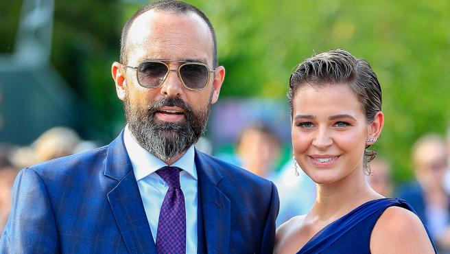 Risto Mejide y Laura Escanes en la boda de María Pombo.