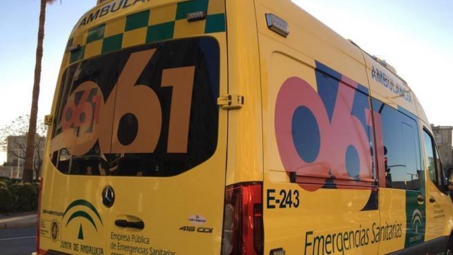 Ambulancia del servicio de emergencias sanitarias 061