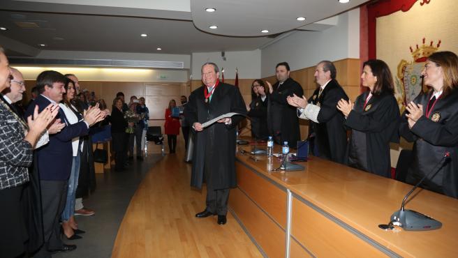 Imposición de la Medalla al Mérito en el Servicio de la Abogacía a Pedro Megías