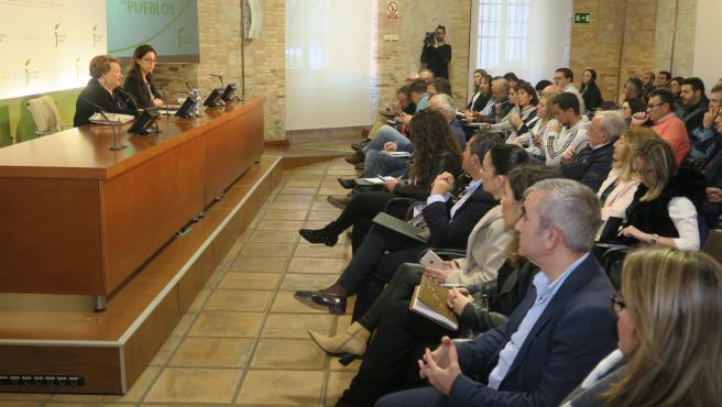 Reunión alcaldes y presidente ADRS abordar la Feria de los Pueblos