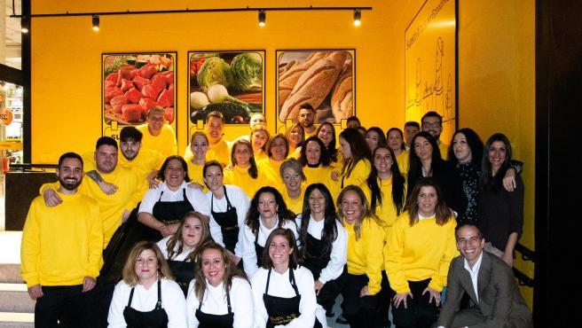 Trabajadores del nuevo centro Supeco de Alcalá de Guadaíra