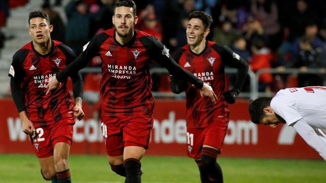 Alvaro Rey celebra su gol al Villarreal.