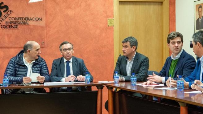 El presidente del PP Aragón, Luis María Beamonte, se ha reunido con el presidente de ASAJA Huesca, Fernando Luna.