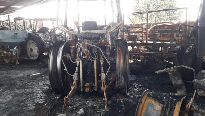 Incendio en la nave del presidente de la cooperativa Las Marismas de Lebrija