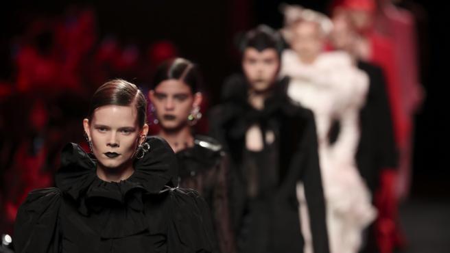 Desfile de Juan Vidal en la Pasarela Cibeles Fashion Week Madrid