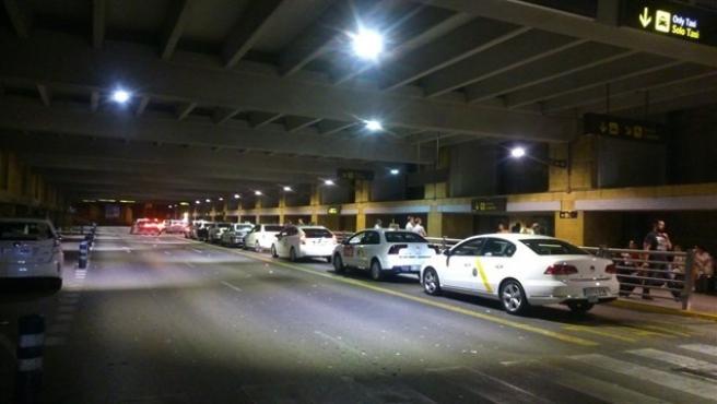 Sevilla.- Tribunales.- Condenado un taxista por cobrar de más en trayectos desde el aeropuerto a hoteles
