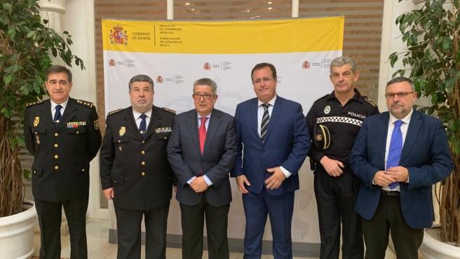 Toscano y Cabrera tras su reunión con mandos policiales