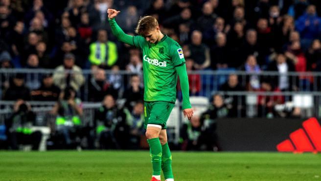 El Bernabéu despidió a Odegaard con una ovación.