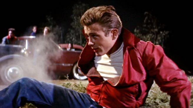James Dean, el icono de Hollywood que vivió deprisa, murió joven y dejó un bonito cadáver