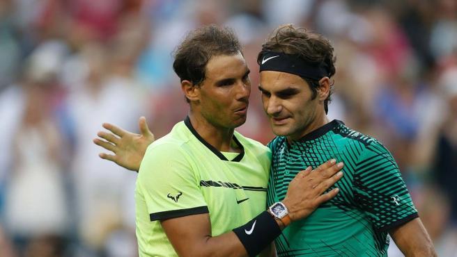 Nadal felicita a Federer