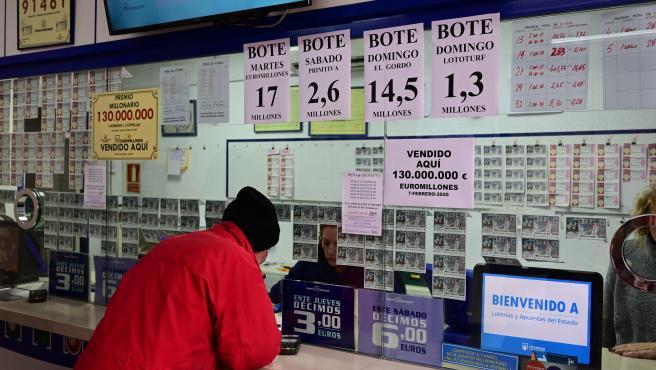 Administración de Loterías donde se adquirió el boleto agraciado con el bote de 130 millones del Euromillones.