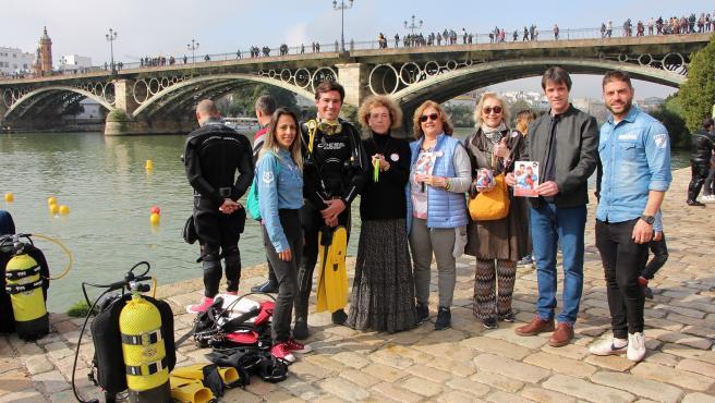 Limpieza del río en Sevilla
