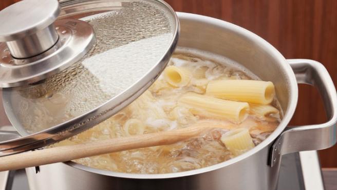 Imagen de pasta cociéndose.