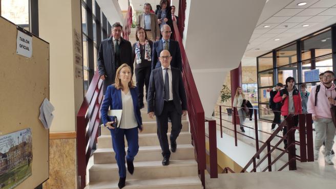Ana Pastor en los pasillos de la Facultad de Derecho de la Universidad de Salamanca (USAL).