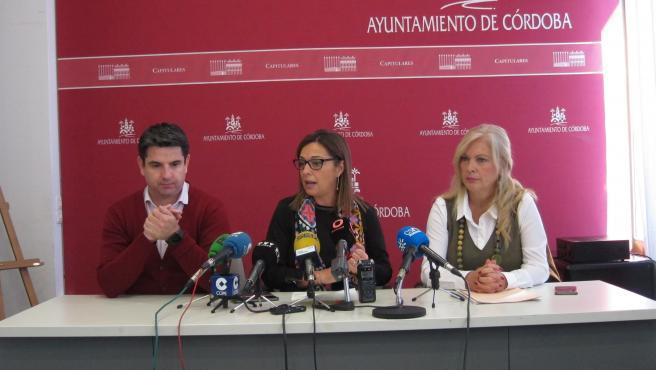 Isabel Ambrosio, Pedro García y Cristina Pedrajas.
