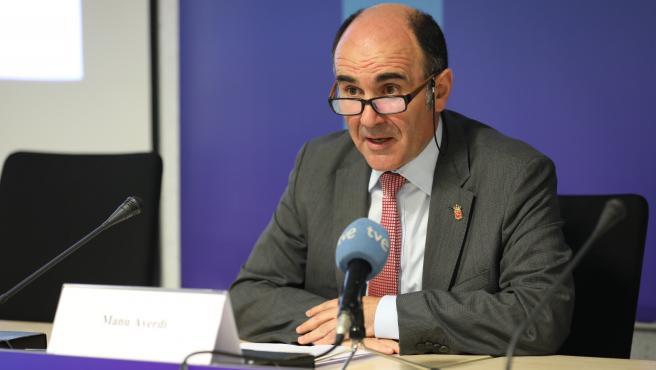 Manu Ayerdi, consejero de Desarrollo Económico y Empresarial del Gobierno de Navarra, interviene en una jornada de difusión de los programas de apoyo a la industria