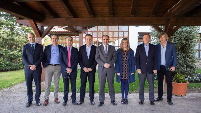 Representantes de MIT, del Gobierno de Navarra, así como de otras entidades de la Comunidad Foral durante la visita