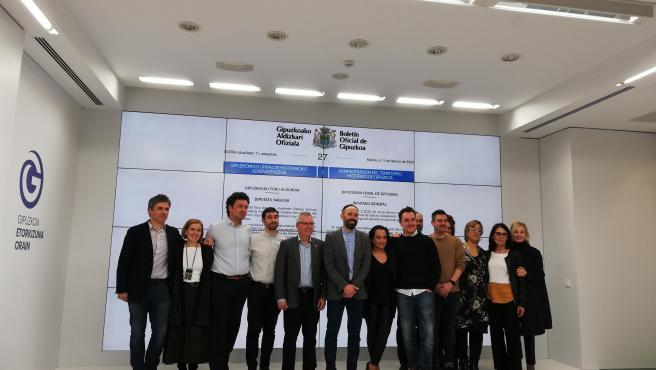 Denis Itxaso se despide de la Diputación de Gipuzkoa junto al equipo foral socialista