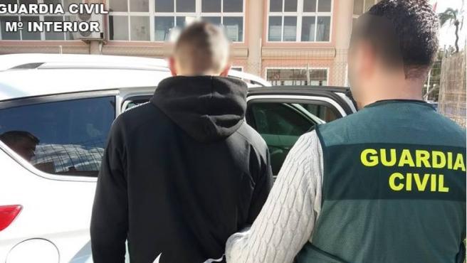El detenido en Santa Pola por coaccionar y extorsionar a niños.
