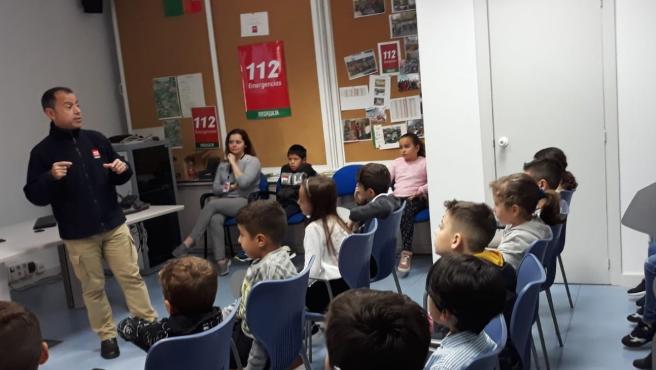Escolares visitan el 112 en Málaga
