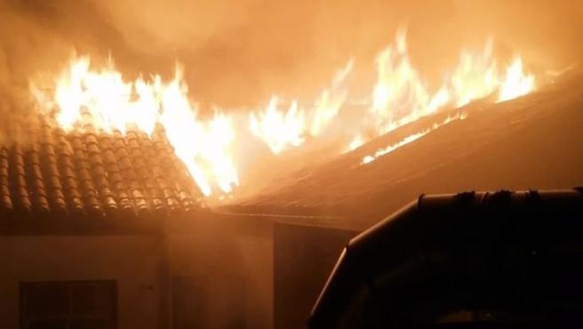Incendio en un inmueble de la calle General Castaños, en Madrid, situado junto a la sede del Tribunal Superior de Justicia.