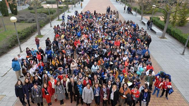 """Los laboratorios del Campus de Ciudad Real abren sus puertas a medio millar de escolares """"científicos en prácticas"""""""