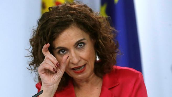 La ministra de Hacienda, María Jesús Montero durante la rueda de prensa celebrada tras la reunión del Consejo de Ministros celebrado este martes en el Palacio de la Moncloa, Madrid.